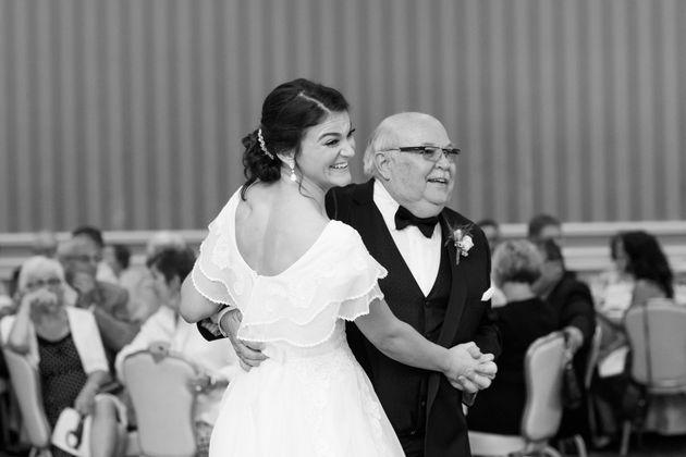 Bride Surprises Parents By Changing Into Mum's Gorgeous 1979 Wedding
