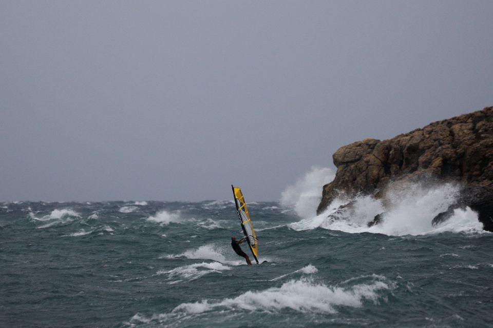 Δαμάζοντας τα κύματα του