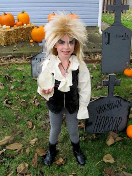 Jareth the Goblin King has never been so adorable.