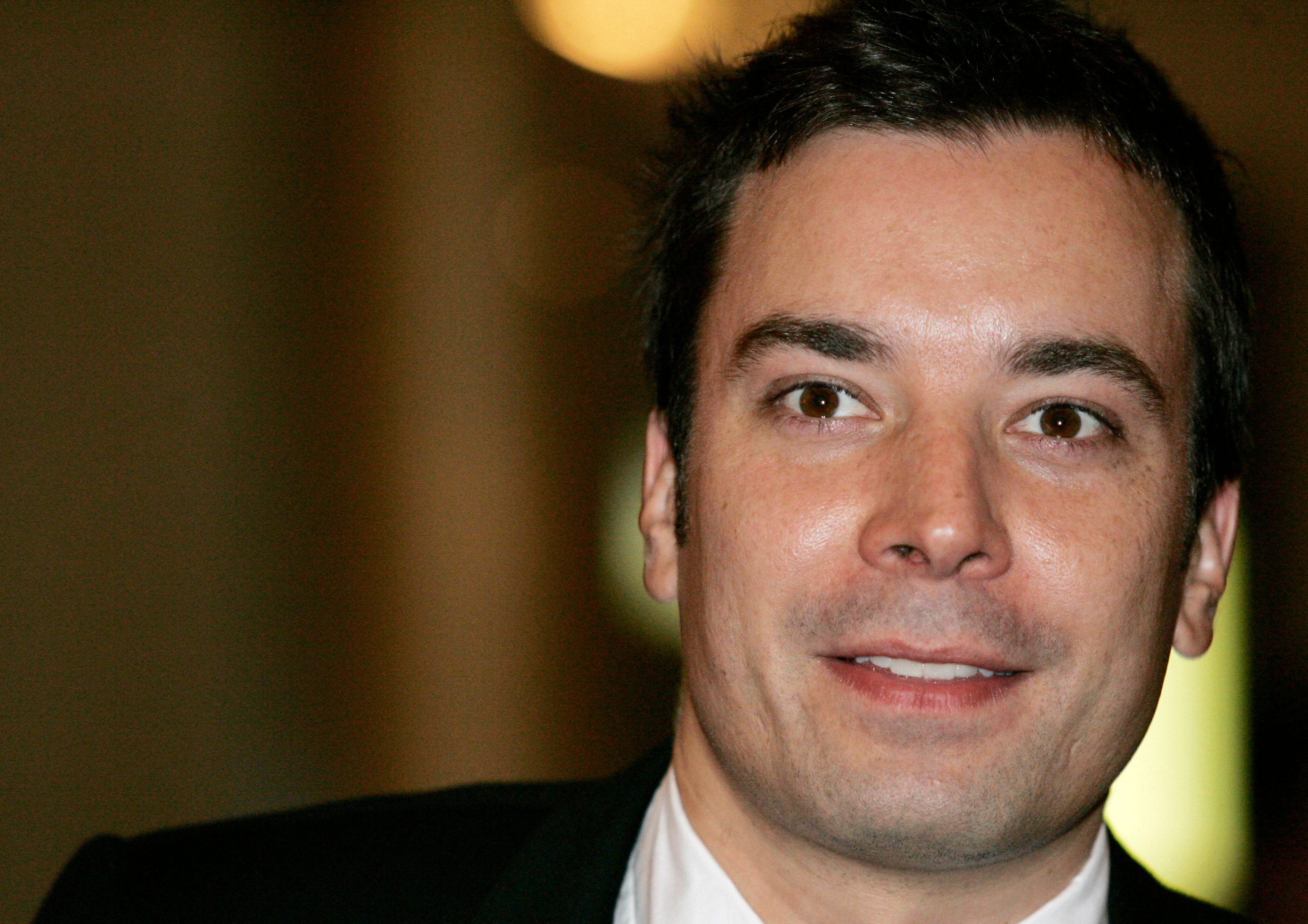Actor Jimmy Fallon arrives for a program honoring Billy Crystal as the 2007 Mark Twain Prize recipient at the Kennedy Center in Washington, October 11, 2007.  REUTERS/Molly Riley (UNITED STATES)