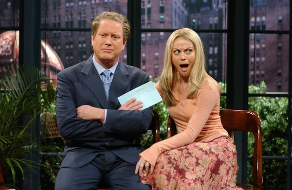 Pictured: (l-r) Darrell Hammond as Regis Philbin, Amy Poehler as Kelly Ripa during the 'Live with Regis & Kelly' skit on Nov.