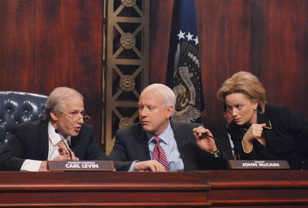 Pictured: (l-r) Andy Samberg as Carl Levin, Darrell Hammond as John McCain, Amy Poehler as Hillary Clinton during the 'Petrae
