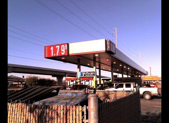 """<a href=""""http://twitter.com/#!/FR3D05/status/10056215807664128"""" target=""""_hplink"""">@FR3D</a>: """"#Why90sRocked gas was cheap...he"""