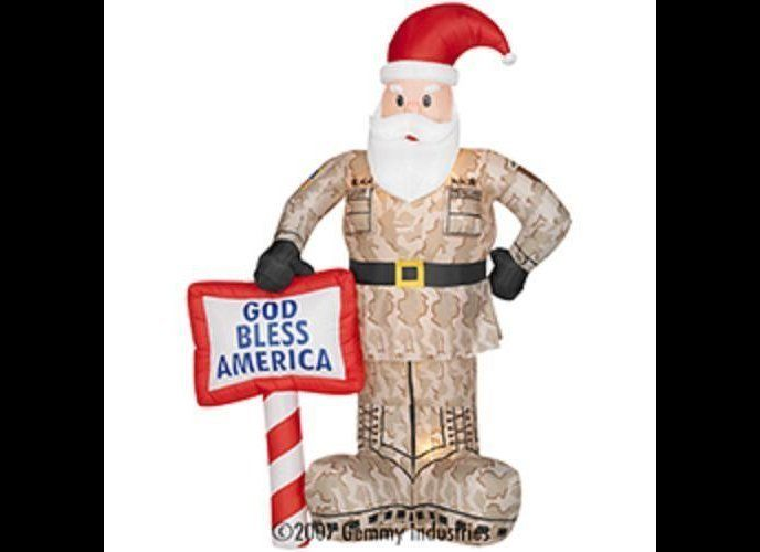 "Where does he find the time? (Via <a href=""http://shopchristmasinflatables.com/militarysanta.htm"" target=""_hplink"">Shop Chris"