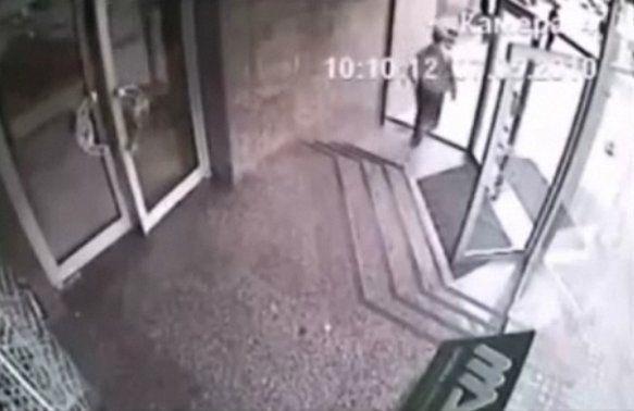 Fail Man Walks Through Glass Door Video Huffpost