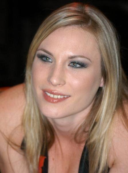 Ex Porn Star Harmony Rose Aka Tracy Rolan Volunteers As Emt
