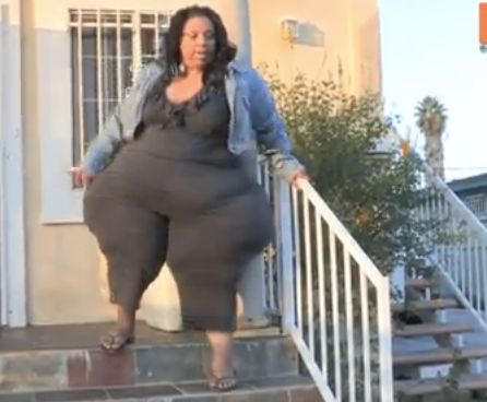 Mikel Ruffinelli, 39, a 420-pound woman with an eight-foot circumference, set the new world record for World's Largest Hips,