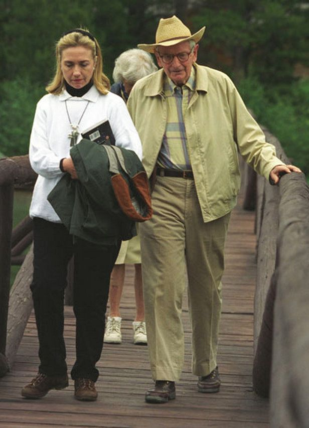 First lady Hillary Clinton and financier/philanthropist Laurance Rockefeller at his Wyoming ranch in 1995. The book Clinton i