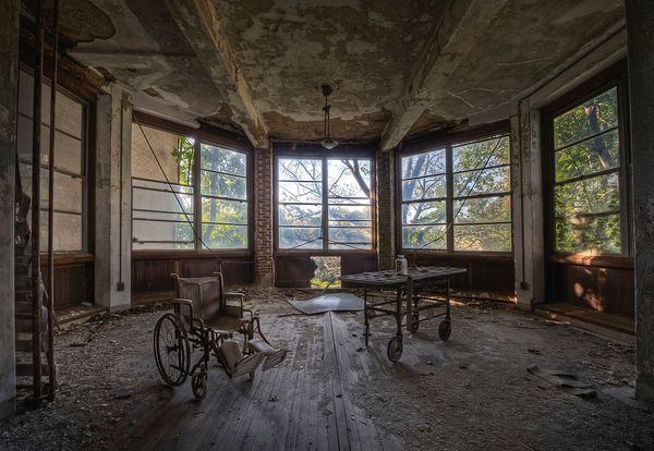 """""""I actually like taking photos of all things abandoned, but I have a particular love of asylums because of their size and ran"""