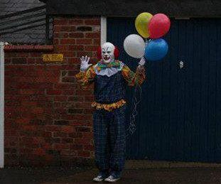 "A clown in Northhampton, U.K. <a href=""https://www.huffpost.com/entry/scary-clown-northhampton-england_n_3934290"">has been st"