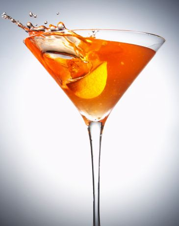 <strong>Ingredients:</strong> 1 - Earl grey infused gin (steep 6 tea bags in 180ml of gin for at least 10 mins) 2 - Lemon jui