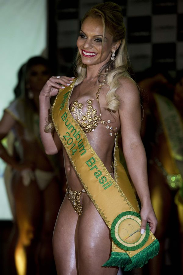 """This year, <a href=""""http://instagram.com/indianaracarvalho"""" target=""""_hplink"""">Indianara Carvalho</a> earned the coveted title"""