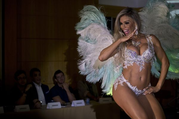 """To be declared """"Miss Bumbum"""" takes dedication, according to Miss Bumbum 2013 <a href=""""https://www.huffpost.com/entry/dai-mace"""