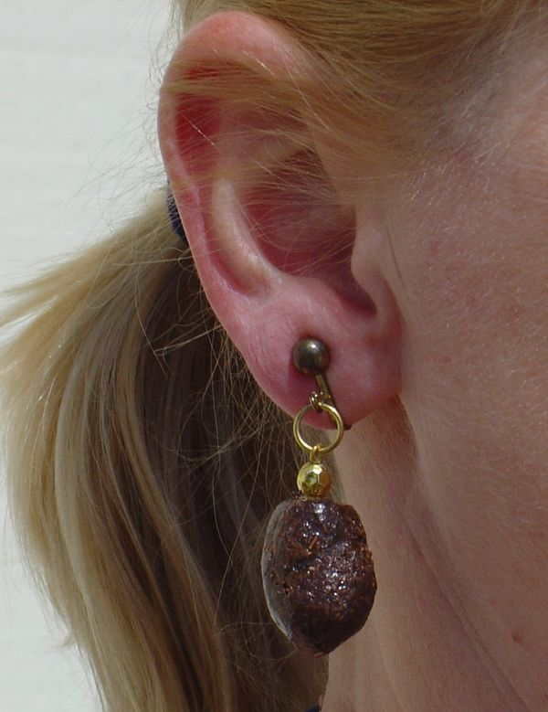 """Does your mom have crappy taste in jewelry? Make it obvious with these lovely earrings made from actual <a href=""""http://maine"""