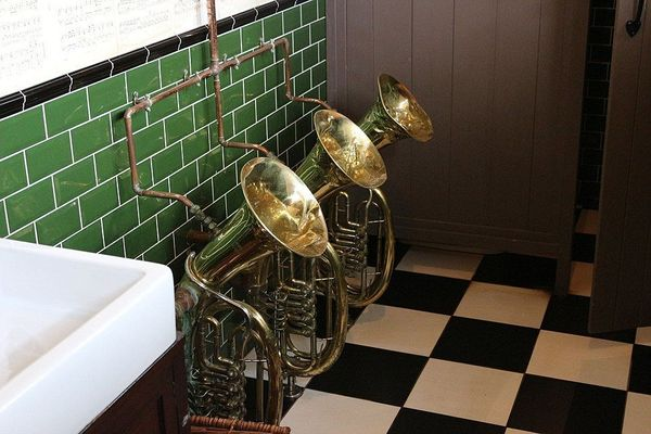 """Music fans might enjoy tooting their horns at the <a href=""""http://thebellinticehurst.com/the-bell/"""" target=""""_blank"""">Bell Inn"""
