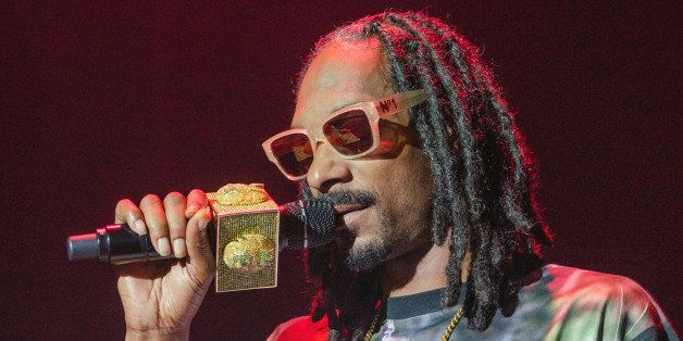 WESTBURY, NY - JULY 08:  Snoop Dogg performs in concert at The Space at Westbury on July 8, 2014 in Westbury, New York.  (Pho