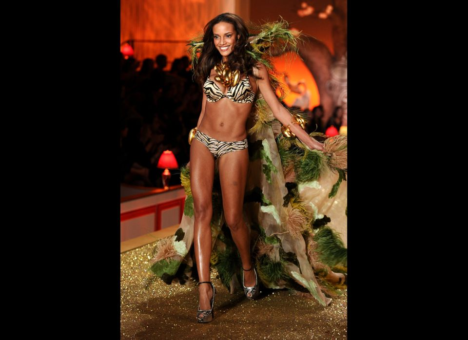 NEW YORK - NOVEMBER 10:  Model Selita Ebanks  walks the runway during the 2010 Victoria's Secret Fashion Show at the Lexingto