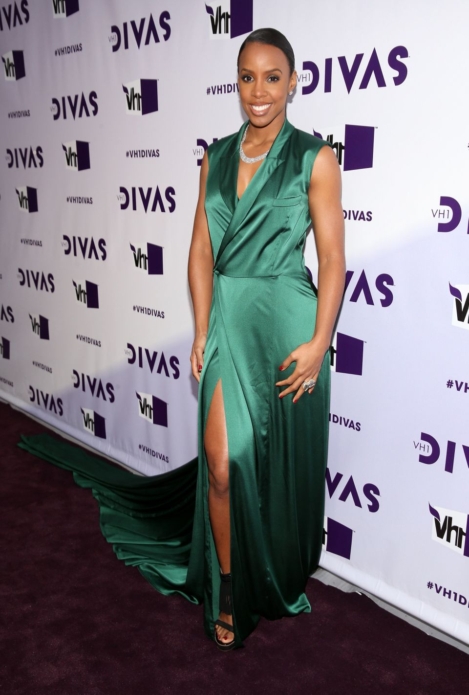 LOS ANGELES, CA - DECEMBER 16:  Singer Kelly Rowland attends 'VH1 Divas' 2012 at The Shrine Auditorium on December 16, 2012 i