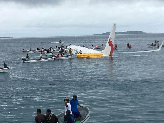 Αεροπλάνο τέθηκε εκτός ελέγχου και έπεσε σε λιμνοθάλασσα στη