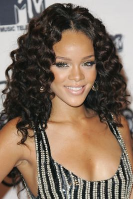 Rihanna S Hair At The Ama Is Actually Not A Real Hairstyle