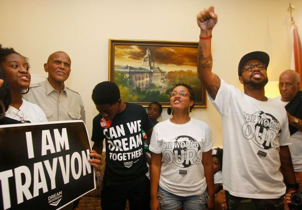 "The<a href=""http://www.huffingtonpost.com/2013/09/24/dream-defenders-naacp-stand-your-ground-laws_n_3983706.html"" target=""_bl"