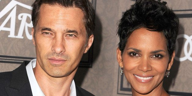 BEVERLY HILLS, CA - OCTOBER 05:  Olivier Martinez and Halle Berry arrives at the Variety's Power Of Women Presented By Lifeti