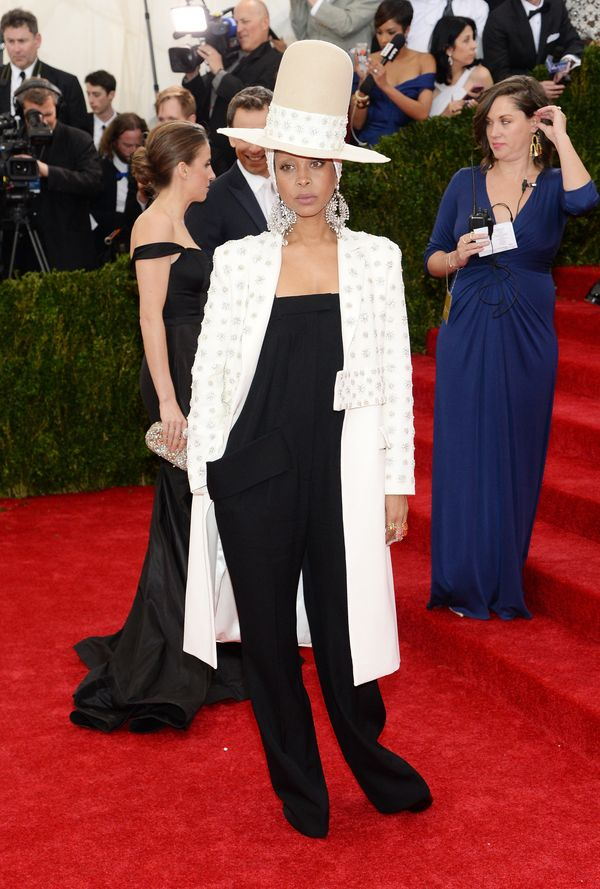 """Wowzas! It's no surprise that Erykah is rocking Givenchy -- <a href=""""https://www.huffpost.com/entry/erykah-badu-givenchy-spri"""