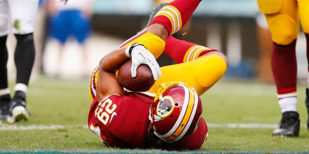 PHILADELPHIA, PA - SEPTEMBER 21:  Roy Helu #29 of the Washington Redskins scores a touchdown in the fourth quarter against th