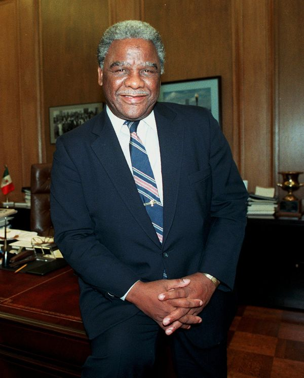 Harold Washington spent his time in office raging against Chicago's Democratic political machine. During his time as an <a hr