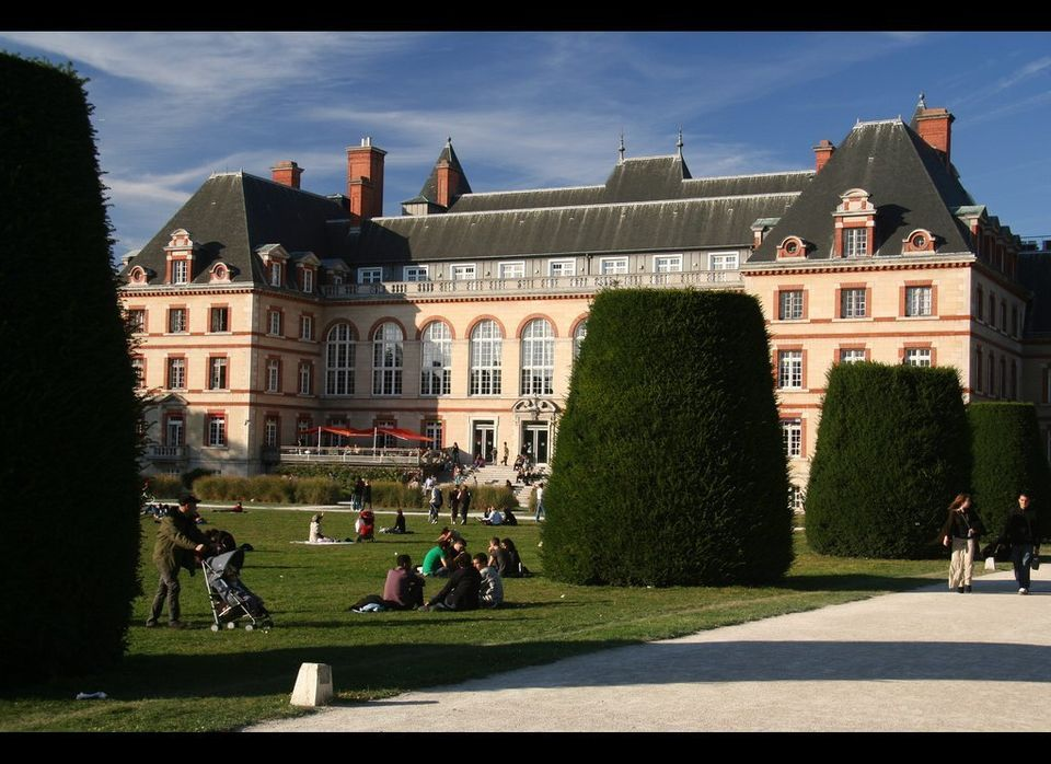 "The city of light is the best city for students?  According to the <a href=""http://www.topuniversities.com/student-life/best-"