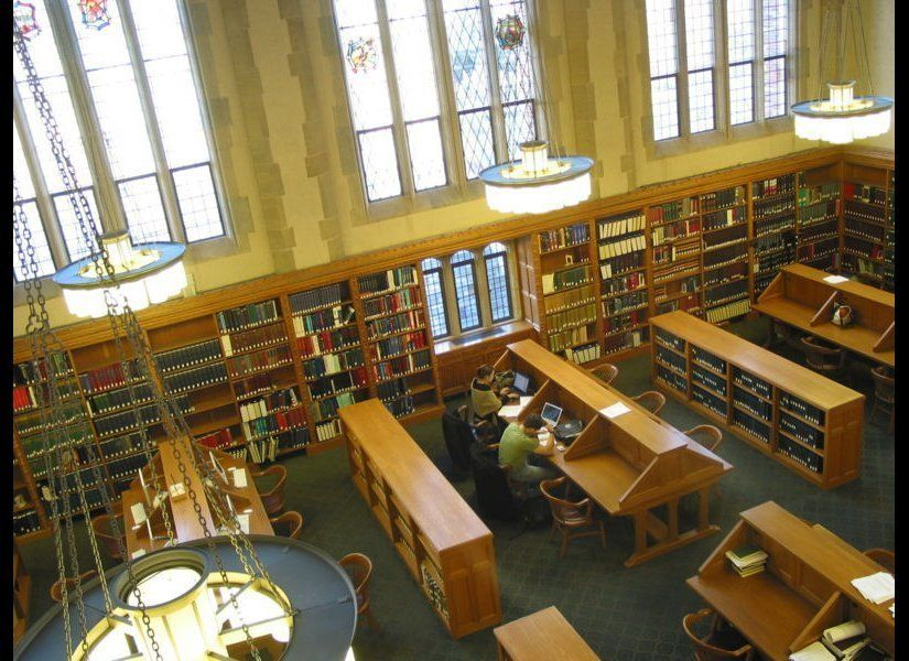 "Photo <a href=""http://commons.wikimedia.org/wiki/File:Yale_Law_School_Library_Reading_Room_%28L3%29.jpg"" target=""_hplink"">Cre"