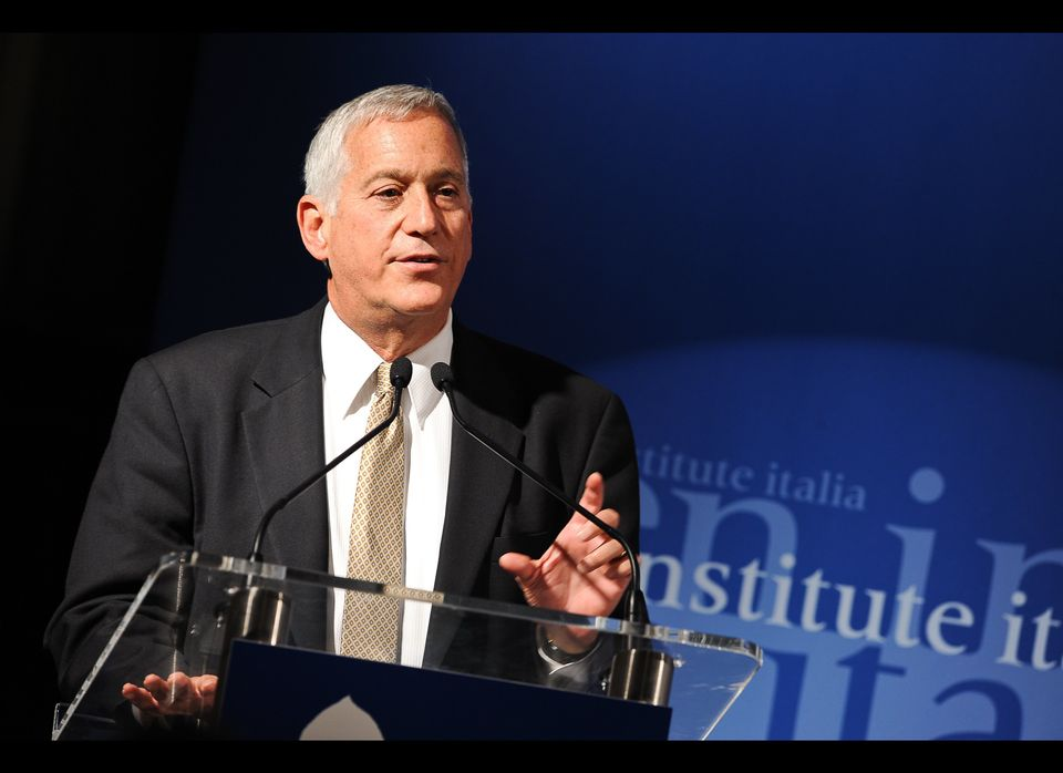 "Steve Jobs biographer Walter Isaacson will speak at<a href=""http://cooper.edu/about/news/2012-commencement-speakers-announced"