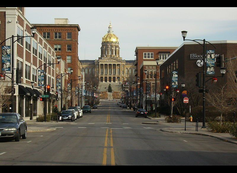 In the Des Moines-West Des Moines, IA metro area, 30.80 percent of the population aged 18 to 34 have a bachelor's degree or h