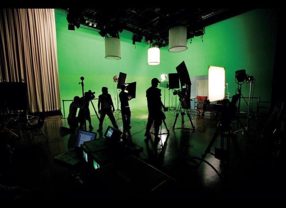 "University of Southern California <a href=""http://cinema.usc.edu/"" target=""_hplink"">School of Cinematic Arts</a> slid into th"