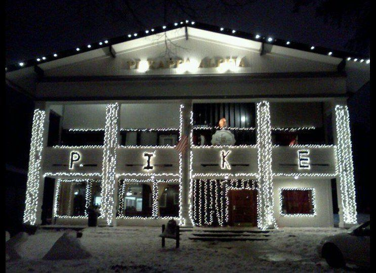 Gamma Xi house decorated for the 2011 holiday season at Washington State University. According to its website, the fraternity