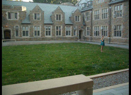 """<a href=""""http://www.unigo.com/vassar_college/?utm_source=HuffingtonPost&utm_medium=Rankings&utm_campaign=HappiestStudents"""" ta"""