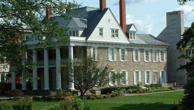 html University House at Penn State University , University Park , Pennsylvania .     Source   Date 2006-07-07   Author Georg