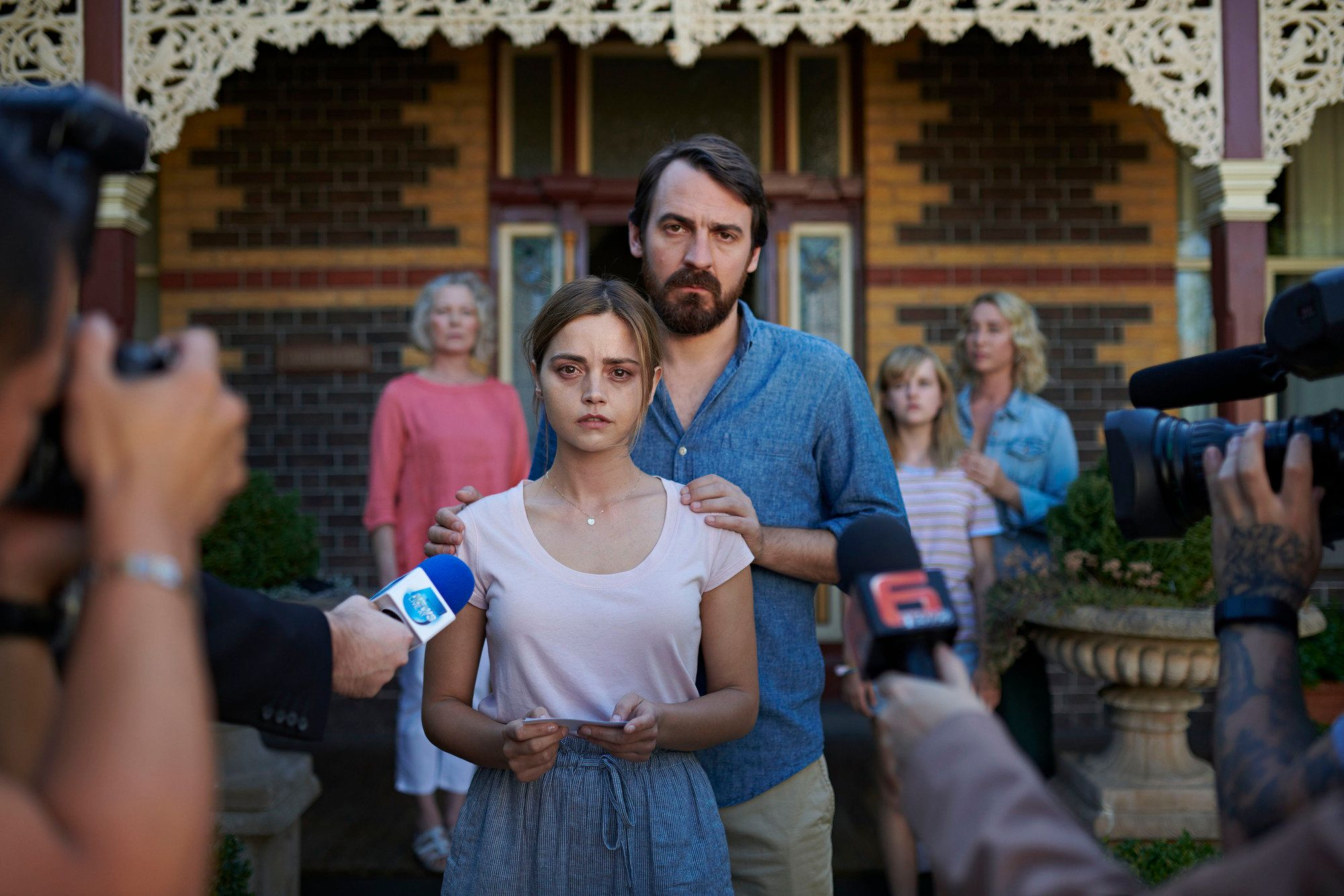 'The Cry' Episode 1 Review: 8 Burning Questions We Have After Jenna Coleman's New BBC Drama