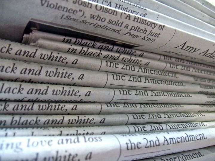 com/photos/61926883@N00/2054107736/ A stack of newspapers | Date 2007-11-21 11:18 | Author http://www. flickr. stack of newsp