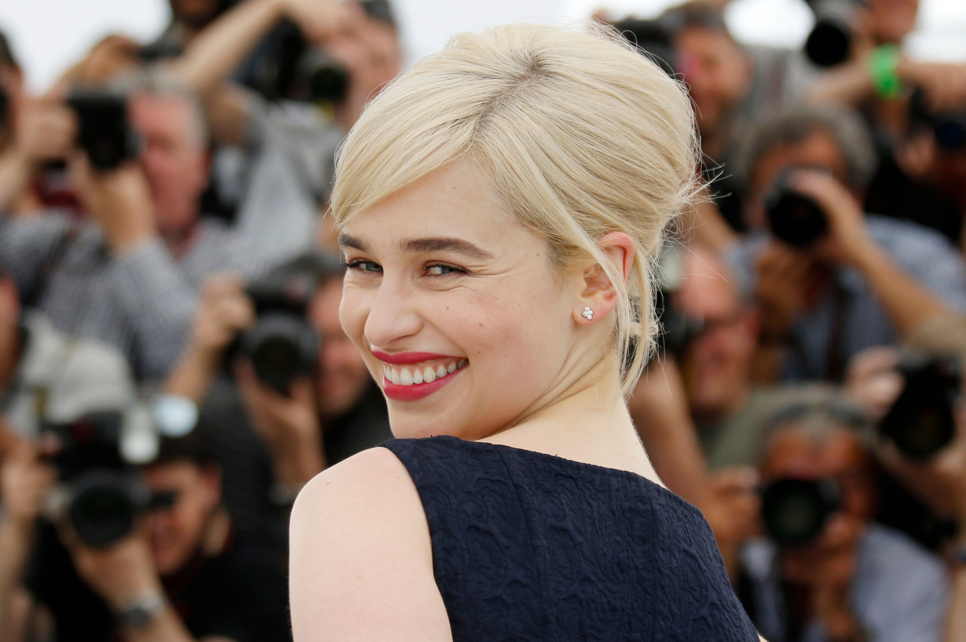 Emilia Clarke turned into brad pitt