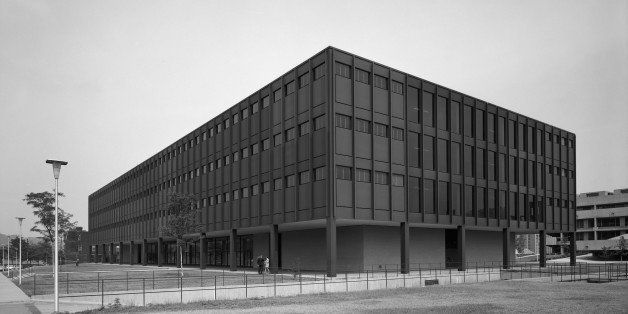 Ludwig Mies van der Rohe, Heywood-Wakefield, Duquesne University Science Center, Pittsburgh Pennsylvania. 1968 Nov 26. Exteri