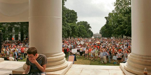 CHARLOTTESVILLE, VA-JUNE 24, 2012-CAPTION:  Aaron Eisen, 20, a 4th year Economics and English major, tweets for the school ne
