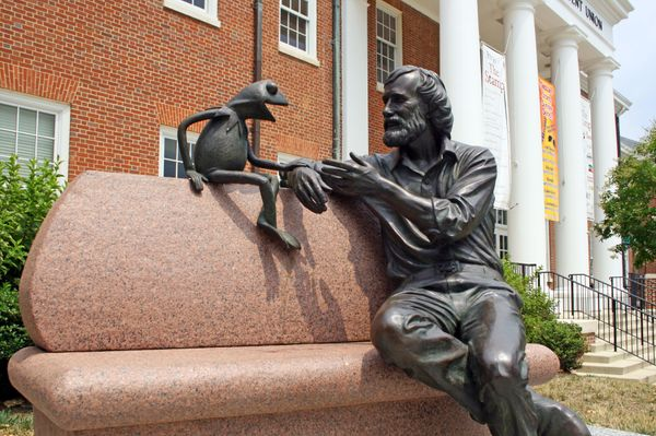 Also at UMD: how could you not love this adorable statue of Jim Henson, creator of the Muppets and Maryland alum, chatting wi