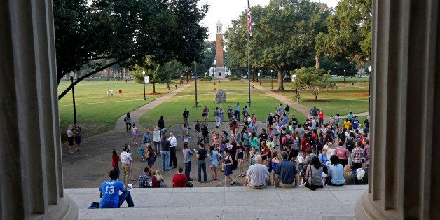 Univ. of Alabama students gather on the steps of the Amelia Gayle Gorgas Library to prepare for a march on the Rose Administr
