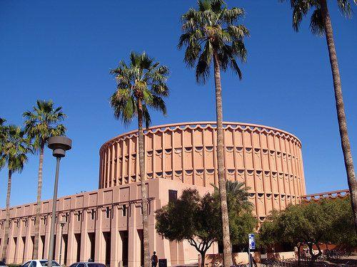 "<a href=""http://www.unigo.com/arizona_state_university/ "" target=""_hplink"">Arizona State University</a> is perfectly situated"