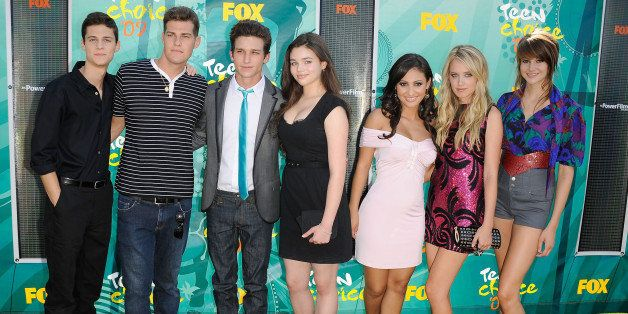 UNIVERSAL CITY, CA - AUGUST 09:  (L-R) Actors Ken Baumann, Greg Finley, Daren Kagasoff, India Eisley, Francia Raisa, Megan Pa
