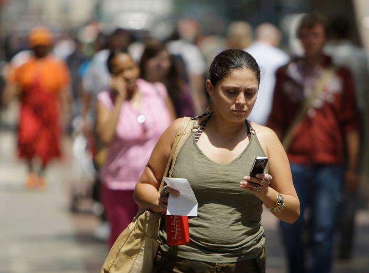 College Via Smartphone: The University Of Phoenix Unveils