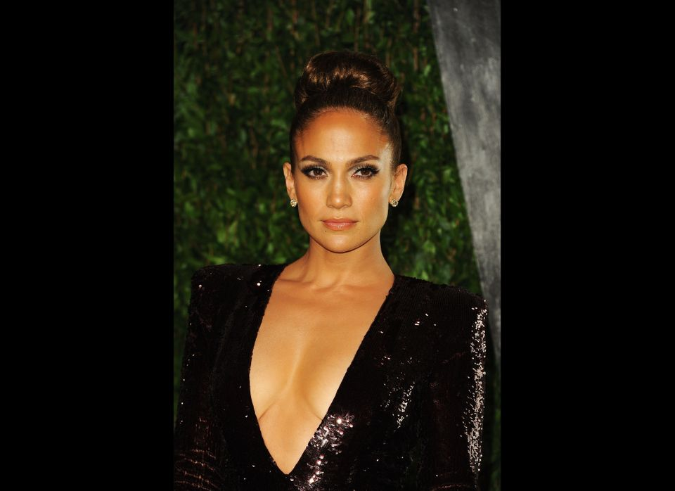 WEST HOLLYWOOD, CA - FEBRUARY 26:  Actress/singer Jennifer Lopez arrives at the 2012 Vanity Fair Oscar Party hosted by Graydo