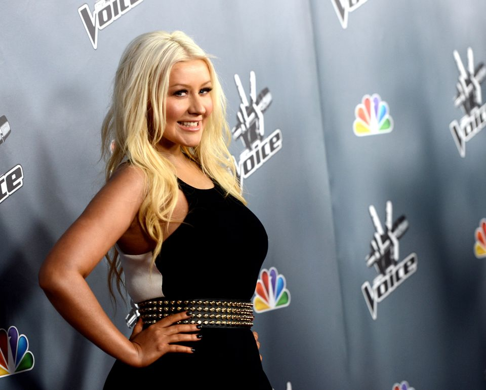 """<a href=""http://www.thesun.co.uk/sol/homepage/showbiz/bizarre/4583113/christina-aguilera-on-family-fame-and-x-factor.html"" t"