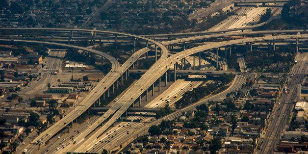 An aerial view of Interstate Highway 405 in Los Angeles is seen on June 12, 2013.          AFP PHOTO/JOE KLAMAR        (Photo
